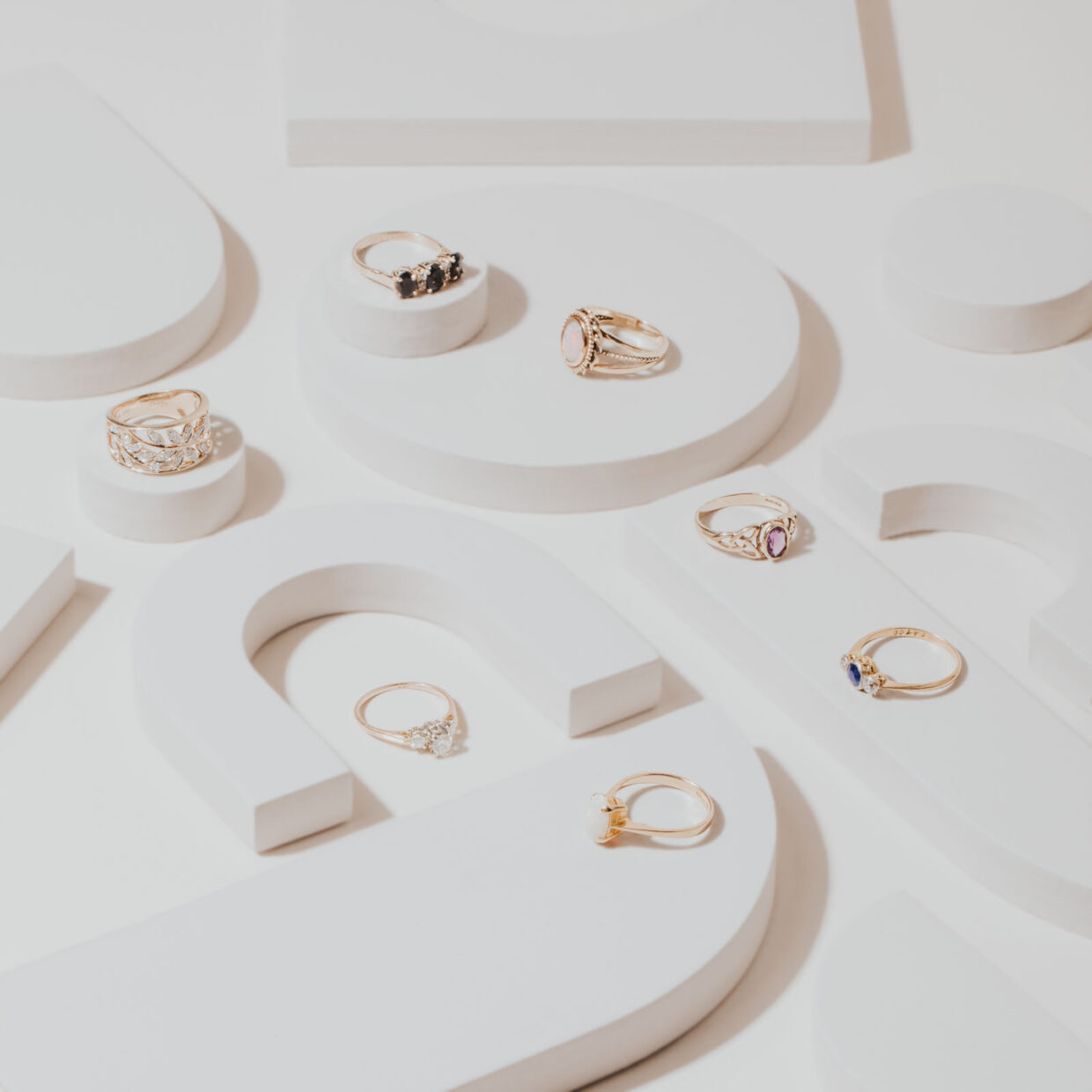 Many multiple rings layflat for commercial product photography for e-comm.